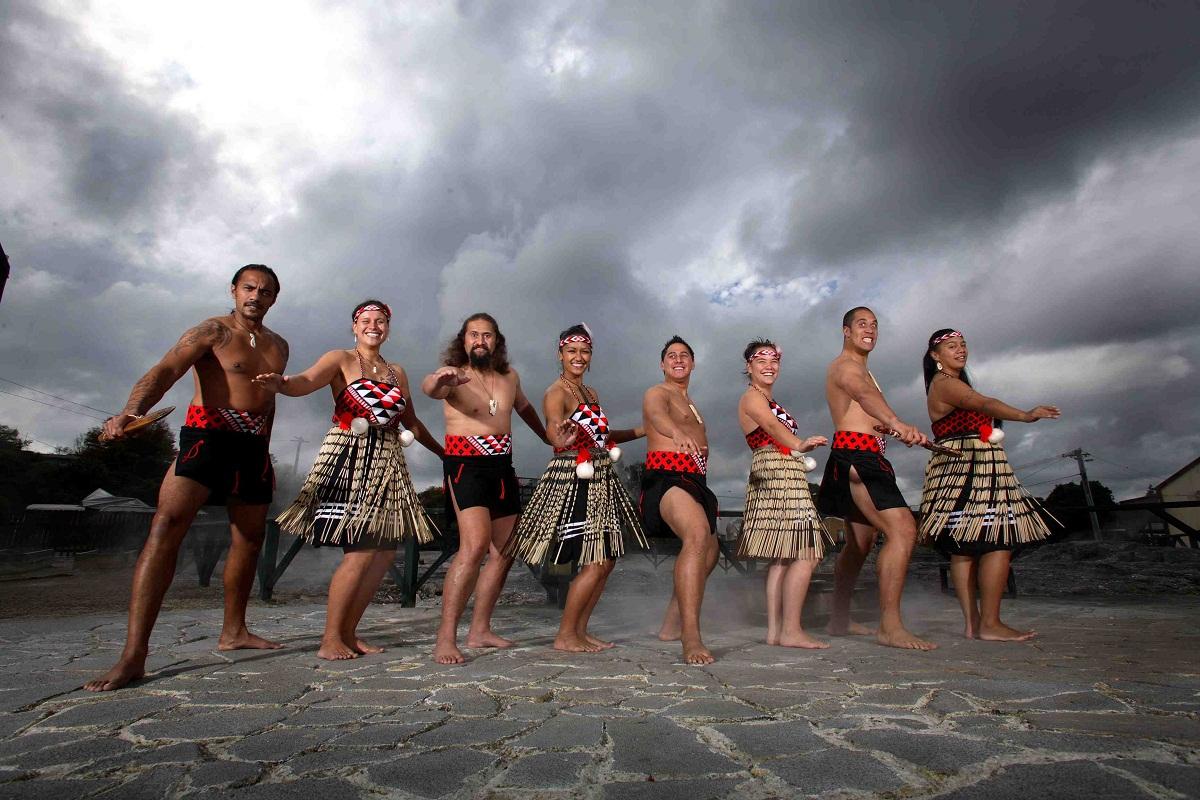 Ngat-ngay-voi-mui-trung-thoi-dac-trung-o-thanh-pho-Rotorua-5.jpg